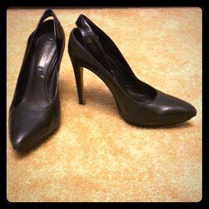 "Sexy 4.5"" BCBG black leather pumps!"